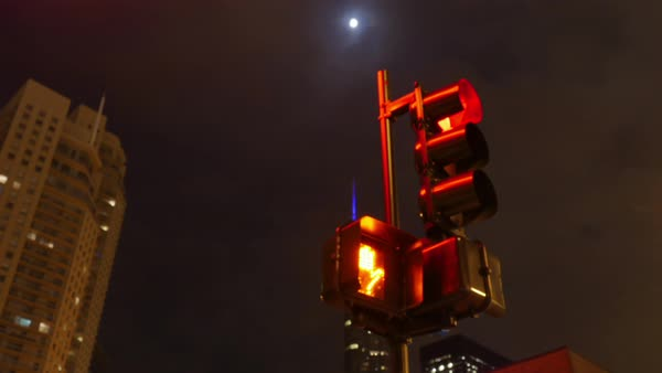Time-lapse shot of traffic light in Chicago IL, USA Royalty-free stock video