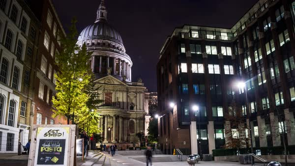 Night illumination St  Paul`s Cathedral viewed from Sermon Lane, time  lapse  London, England stock footage