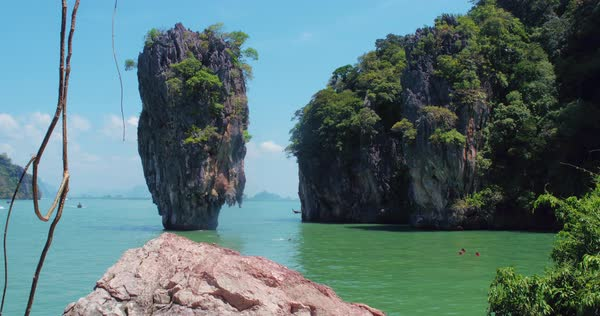 Phuket Thailand March 2017 Standing Rock Of James Bond Island D178 5 667