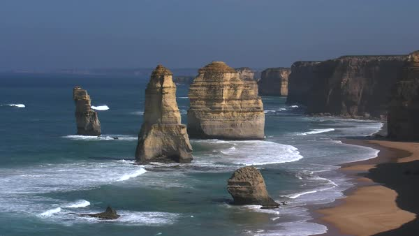 A beautiful early morning view of the sea stacks in Australia's Twelve Apostles Marine National Park. Royalty-free stock video