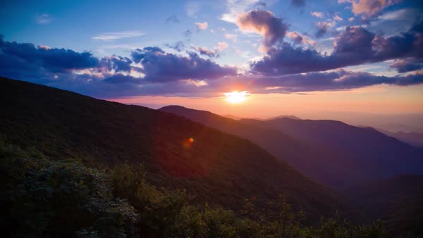 Dramatic Pan Of Sunrise In The Blue Ridge Mountains Of D982 54 118
