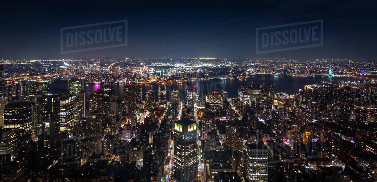 Panoramic aerial view of Manhattan New York at night - Image Royalty-free stock photo