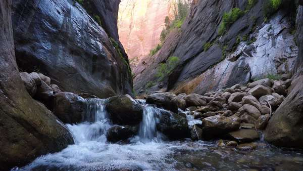 View of small waterfall in Orderville Canyon in Zion National Park. Royalty-free stock video