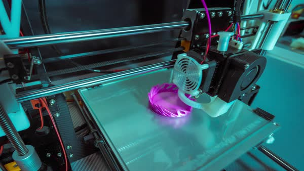 3D printer printing a complex artistic vase in timelapse Royalty-free stock video