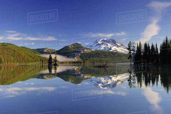 Sparks Lake, Deschutes National Forest, Oregon, USA Royalty-free stock photo