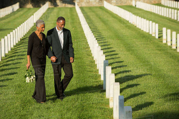 Black couple at military cemetery Royalty-free stock photo