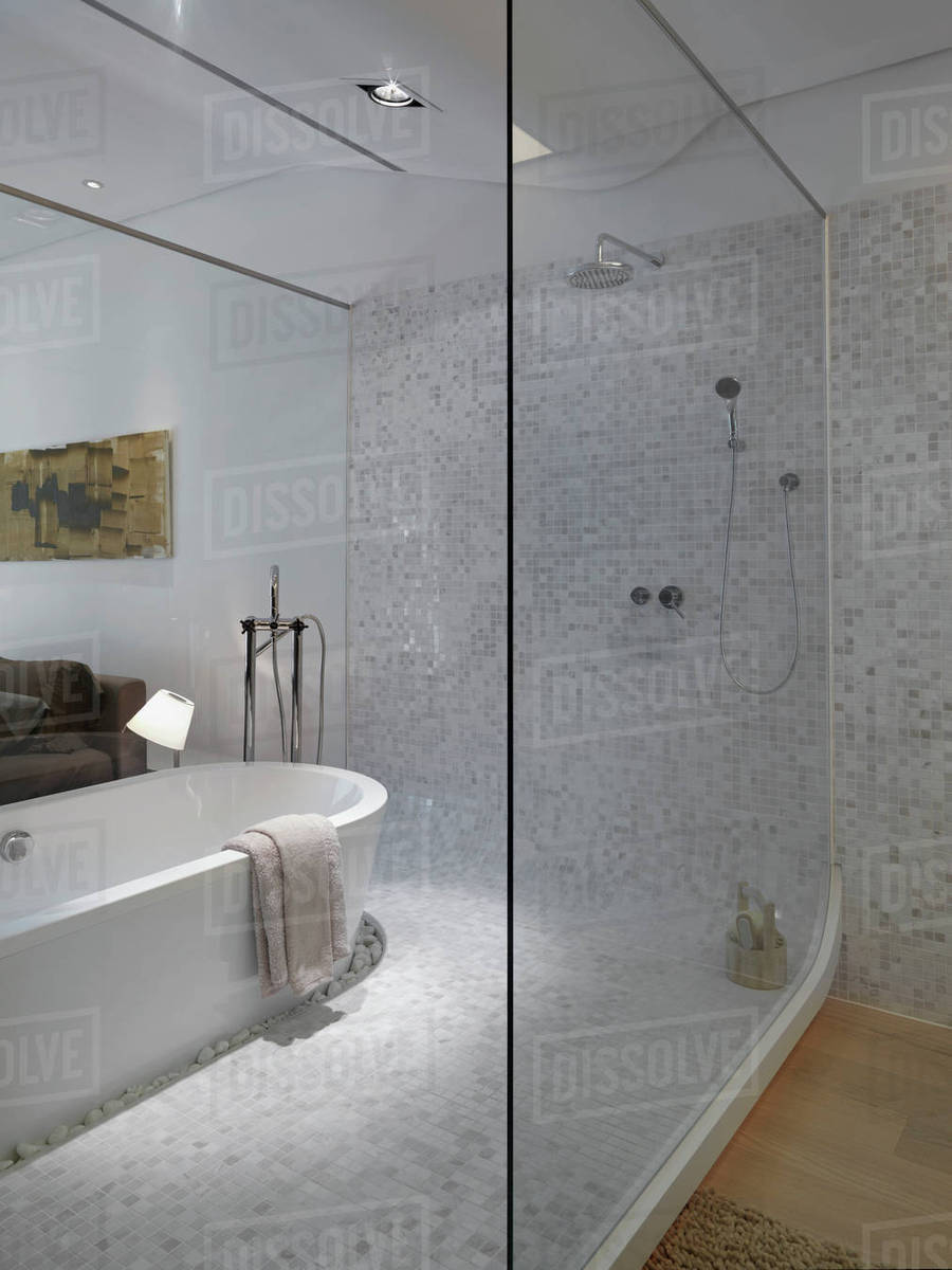 Charmant Modern Bathroom Inside Bedroom With Glass Wall