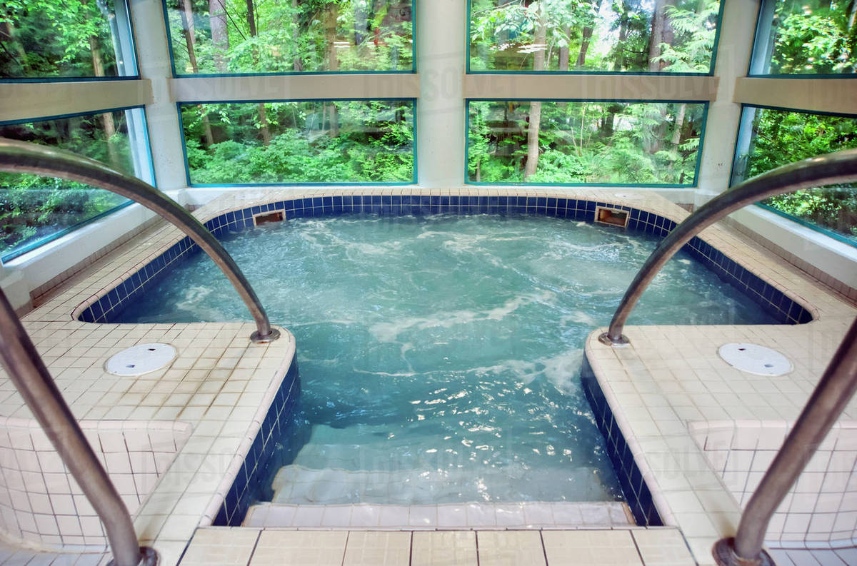 Jacuzzi Whirlpool Jacuzzi.Public Whirlpool Jacuzzi With Moving Water D145 222 103