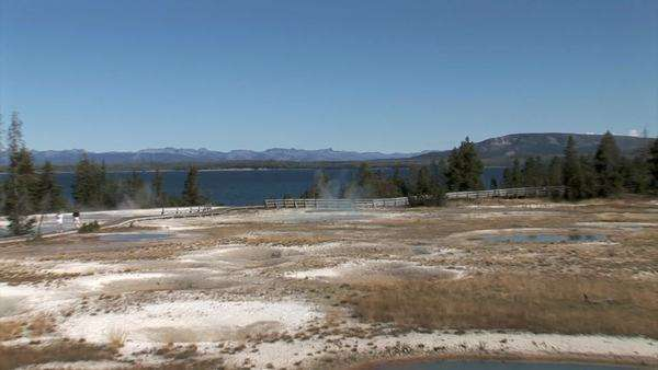 Yellowstone Lake-Mineral Pools, zoom Royalty-free stock video