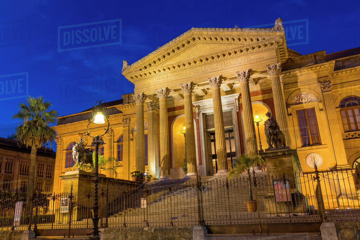 The Massimo Theatre (Teatro Massimo) during blue hour, Palermo, Sicily, Italy, Europe Royalty-free stock photo
