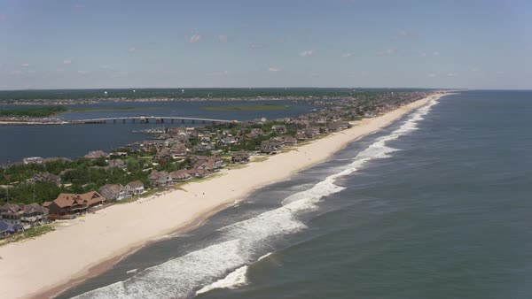Aerial shot of the Jersey Shore flying towards New York City.   Royalty-free stock video