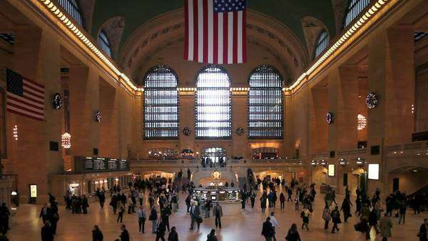 USA, New York City, Manhattan,  Grand Central Station, Central Station Hall Royalty-free stock video