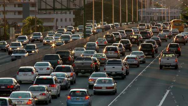 Heavy traffic crowds Honolulu's freeways in Hawaii. Royalty-free stock video