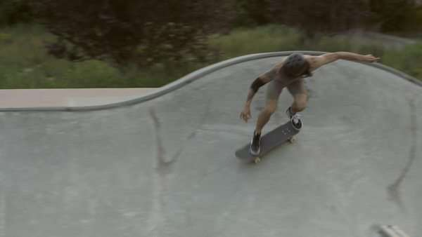 Skateboarder carving bowl Royalty-free stock video
