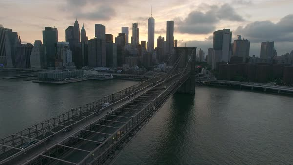 Golden hour view over the Brooklyn bridge Royalty-free stock video