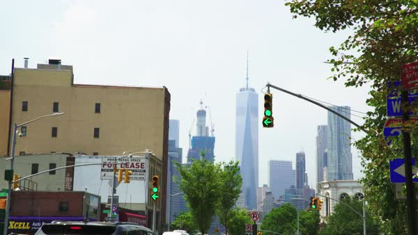 Wide shot of a traffic light in New York City, USA Royalty-free stock video