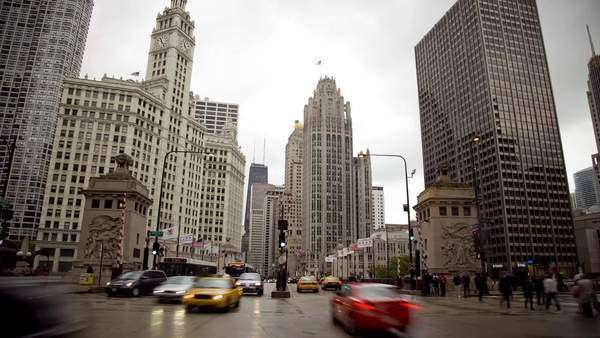 WS T/L Traffic on Michigan Avenue/ Chicago, Illinois Royalty-free stock video