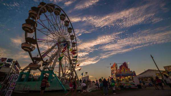 Beautiful sunset at the Ferris wheel timelapse Royalty-free stock video